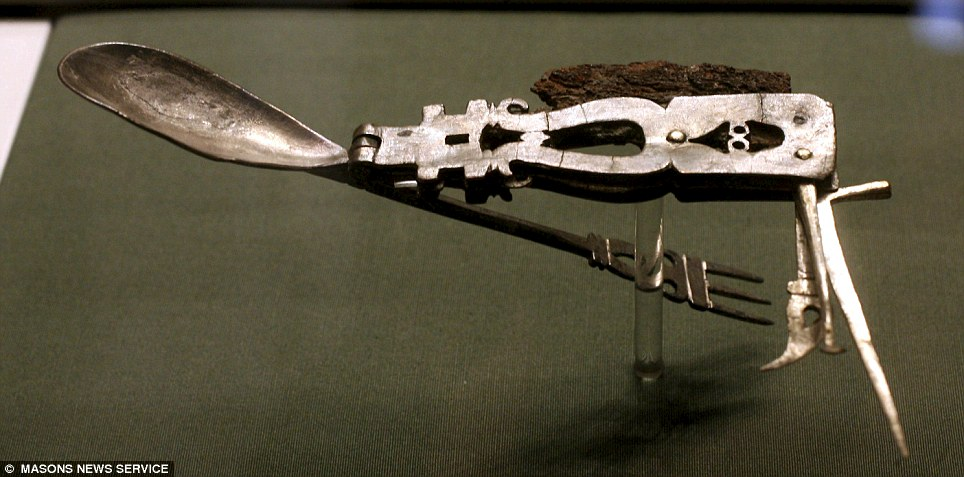 Swanky Roman Army Knife Beats Swiss By 1,800 Years